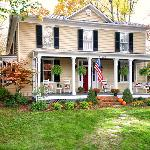 1885 Historic Residence, an easy stroll from towncenter