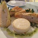 Our amazing entree - the camembert!