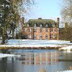 Llansantffraed Court