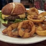 Classic Burger w/ Onion Rings