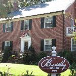 Foto de Bentley Manor Inn