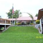 Bay Springs Motel & Campground