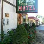  Village Motel