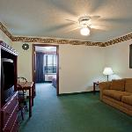  CountryInn&amp;Suites ElkRiver Suite