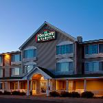  CountryInn&amp;Suites ElkRiver ExteriorNight