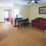 CountryInn&Suites LittleFalls Suite