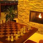  Nice Lobby!! I challenge anyone to a game of Chess!!