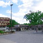 Carriage Inn Motel