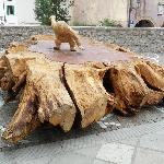  Sculpture of wood in front of the cathedral