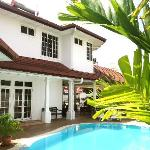 Rumah Putih Bed and Breakfast Foto