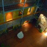  Hall desde la habitacion, en la noche