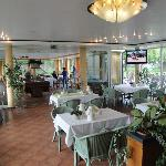 Restaurant and breakfast room