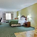  CountryInn&amp;Suites CharlotteUniversity  WhirlpoolSt