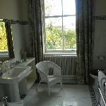 Oval Room Bathroom