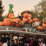  Halloween at Disneyland.