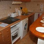 Kitchenette, Hob, Washing Machine, Electric kettle, Toaster