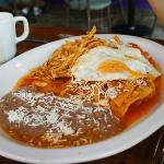 chilaquiles +egg +chicken