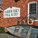 Photo de Harbor Haus Inn & Suites