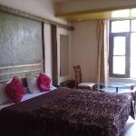 Hotel Grand Kashmir