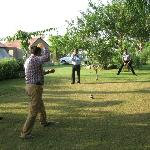 Friends playing Sitolia