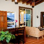 Two Sandals by the Sea Inn - Bed & Breakfast