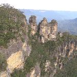 3 Sisters, Katoomba, walking distance from Motel.