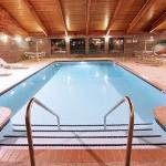 Americ Inn Coon Rapids Pool