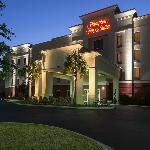 Hampton Inn & Suites Mobile/I-65 @ Airport Blvd
