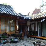 Photo de Hanok Guesthouse Eugene's House