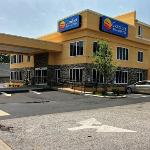 Comfort Inn and Suites resmi