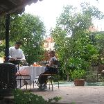  Lunch in the garden of Villa Rivera