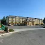 Photo de La Quinta Inn & Suites Tulare