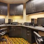 The Business Center of the Hampton Inn and Suites Fresno hotel is available 24 hours a day.