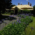Vacy Hall Historic Guesthouse - Country Charm