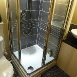  The shower in room 2