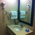 Foto van Courtyard by Marriott Burlington Taft Corners