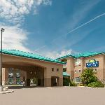 Days Inn & Suites - Brandon