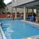 Kakanfo Inn - Outdoor Swimming Pool