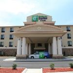 Foto de Holiday Inn Express & Suites Huntsville Airport