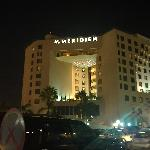  Le Meridien Jeddah at night
