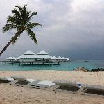 Photo de Diamonds Thudufushi Beach & Water Villas