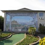  Mural at mini golf course