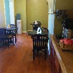 Econo Lodge Inn and Suites Foto