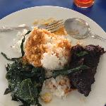  Rendang with cassava leaves