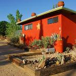 ‪Spin and Margie's Desert Hideaway‬