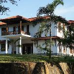 Niyagama House