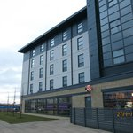 Photo de Premier Inn Edinburgh Park - The Gyle
