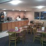  Newly Redecorated Breakfast area with Expnded Menu.