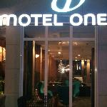 Foto de Motel One Saarbrucken