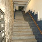  The full of flight of steps to the front door